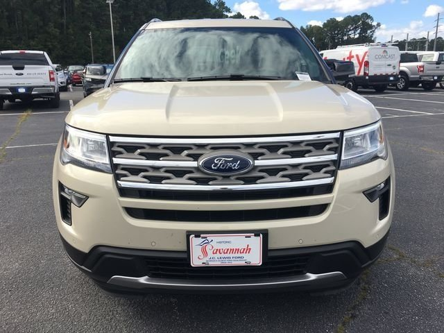 2018 Platinum Dune Metallic Tri-Coat Ford Explorer XLT SUV Automatic 4 Door 3.5L V6 Ti-VCT Engine