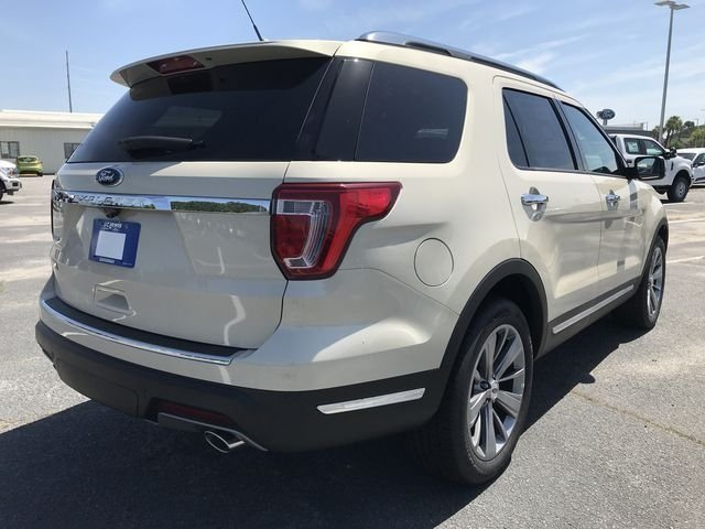 2018 Platinum Dune Metallic Tri-Coat Ford Explorer Limited 3.5L V6 Ti-VCT Engine Automatic SUV 4 Door FWD