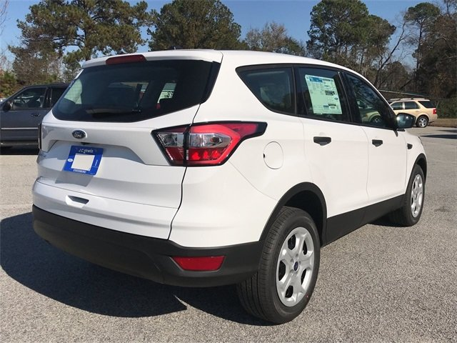 2018 Oxford White Ford Escape S 4 Door SUV FWD 2.5L iVCT Engine Automatic