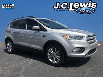 2018 Ingot Silver Metallic Ford Escape SE 4 Door FWD Automatic