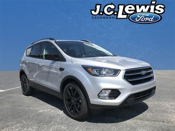 2018 Ingot Silver Metallic Ford Escape SE 4 Door SUV Automatic FWD EcoBoost 1.5L I4 GTDi DOHC Turbocharged VCT Engine