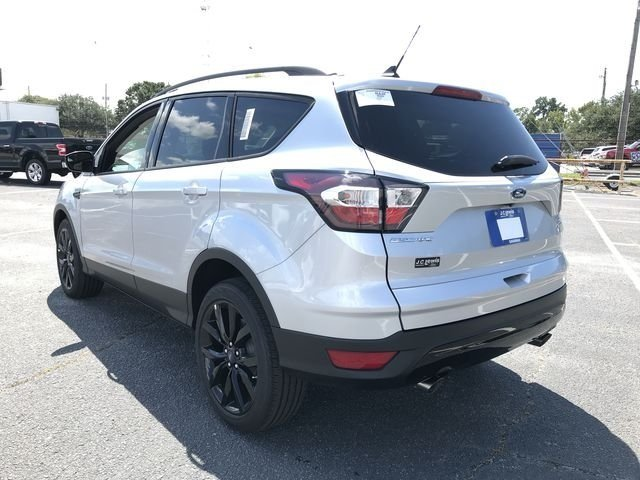 2018 Ford Escape SE 4 Door EcoBoost 1.5L I4 GTDi DOHC Turbocharged VCT Engine FWD