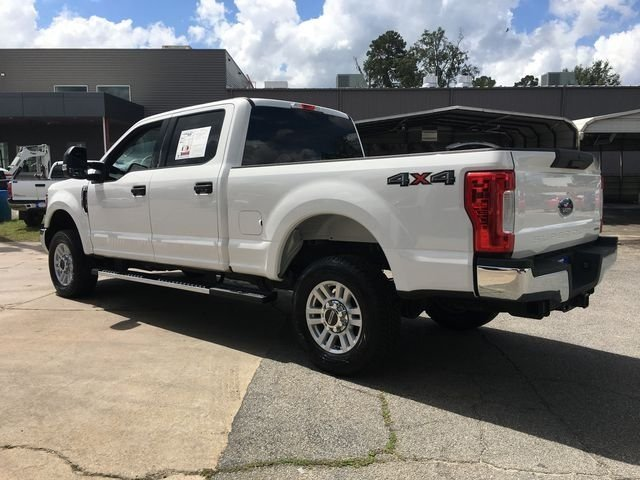 2017 White Ford Super Duty F-250 SRW XLT 4X4 4 Door Automatic Truck