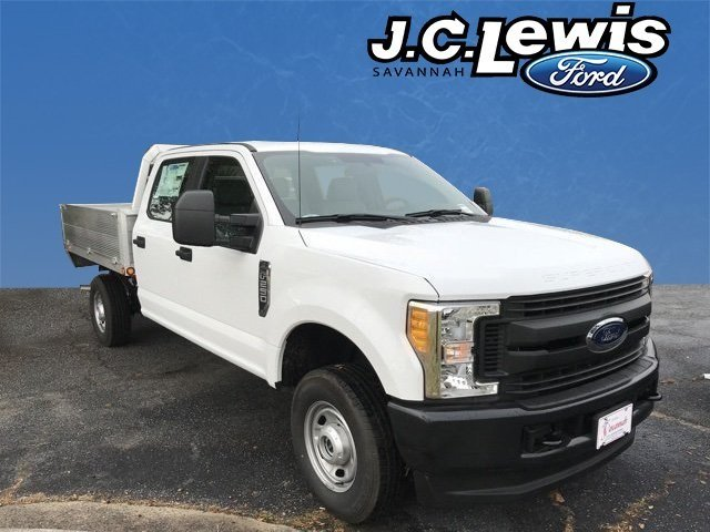 2017 Oxford White Ford Super Duty F-250 SRW XL 4 Door Truck Automatic V8 Engine 4X4