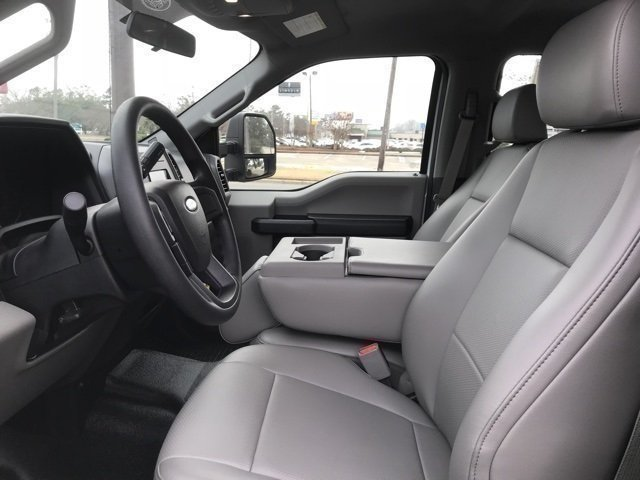 2017 Oxford White Ford Super Duty F-250 SRW XL 4 Door Truck Automatic 4X4