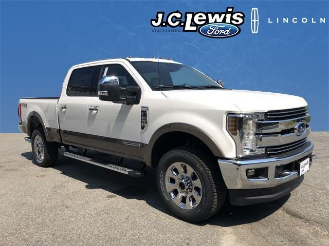 2018 Ford Super Duty F-250 SRW Lariat Power Stroke 6.7L V8 DI 32V OHV Turbodiesel Engine Automatic 4X4 4 Door Truck