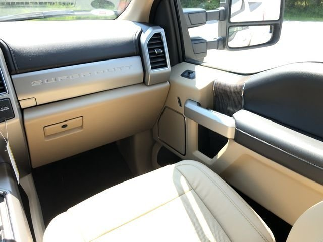 2018 Ford Super Duty F-250 SRW Lariat Power Stroke 6.7L V8 DI 32V OHV Turbodiesel Engine Truck 4X4 4 Door Automatic