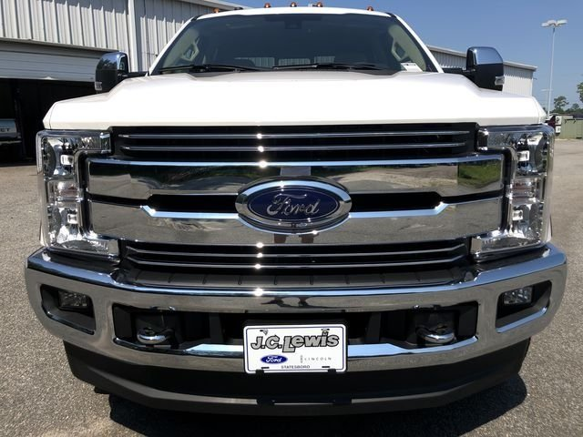 2018 Ford Super Duty F-250 SRW Lariat Truck 4X4 Power Stroke 6.7L V8 DI 32V OHV Turbodiesel Engine 4 Door Automatic
