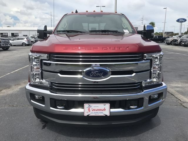 2019 Ruby Red Metallic Tinted Clearcoat Ford Super Duty F-250 SRW Lariat Truck Automatic 4X4