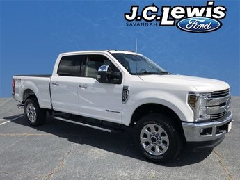 2018 Ford Super Duty F-250 SRW Lariat 4 Door Power Stroke 6.7L V8 DI 32V OHV Turbodiesel Engine Truck 4X4