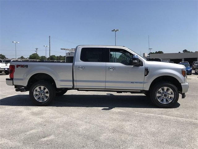 2018 Ingot Silver Metallic Ford Super Duty F-250 SRW Platinum Power Stroke 6.7L V8 DI 32V OHV Turbodiesel Engine Truck 4 Door