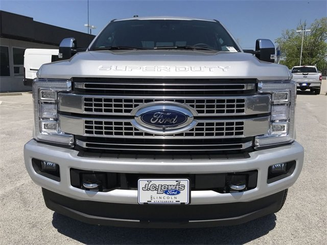 2018 Ingot Silver Metallic Ford Super Duty F-250 SRW Platinum Truck Power Stroke 6.7L V8 DI 32V OHV Turbodiesel Engine 4X4