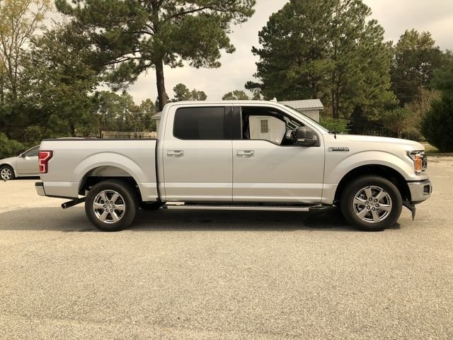 2018 Ford F-150 XLT Automatic 5.0L V8 Ti-VCT Engine RWD 4 Door