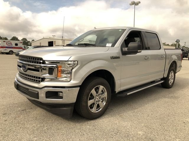 2018 Ingot Silver Metallic Ford F-150 XLT 4 Door Automatic Truck RWD 5.0L V8 Ti-VCT Engine