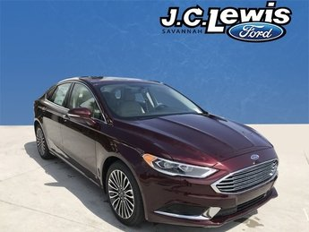 2018 Burgundy Velvet Metallic Tinted Clearcoat Ford Fusion SE FWD 4 Door EcoBoost 1.5L I4 GTDi DOHC Turbocharged VCT Engine Sedan