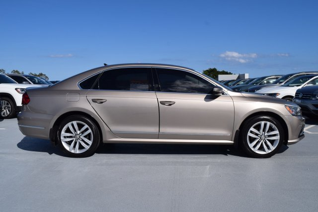 2016 Titanium Beige Volkswagen Passat 3.6L V6 SEL Premium Premium Unleaded V-6 3.6 L/220 Engine 4 Door FWD Automatic Sedan