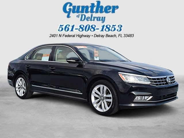 2017 Deep Black Pearl Volkswagen Passat 1.8T SE w/Technology 4 Door Intercooled Turbo Regular Unleaded I-4 1.8 L/110 Engine Sedan