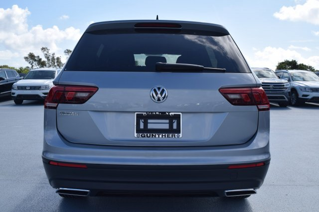 2020 Pyrite Silver Metallic Volkswagen Tiguan S FWD Automatic 4 Door Intercooled Turbo Regular Unleaded I-4 2.0 L/121 Engine