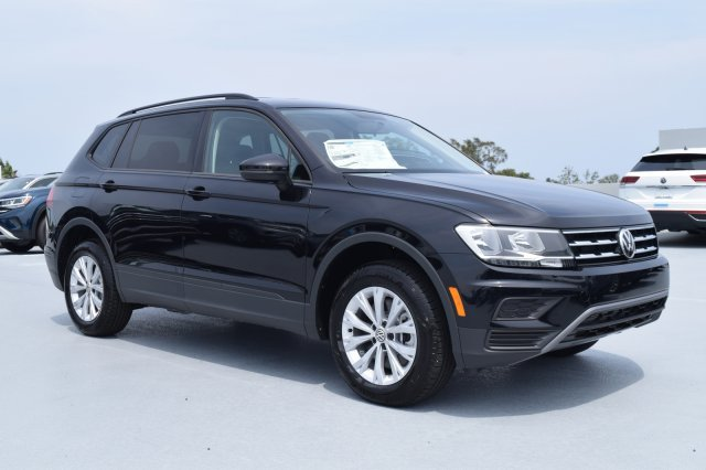 2020 Deep Black Pearl Volkswagen Tiguan S 4 Door FWD Intercooled Turbo Regular Unleaded I-4 2.0 L/121 Engine