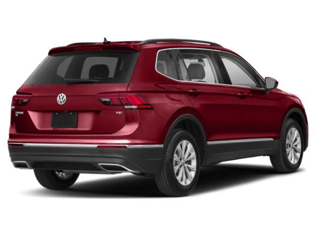 2020 Volkswagen Tiguan SE SUV Automatic FWD Intercooled Turbo Regular Unleaded I-4 2.0 L/121 Engine 4 Door