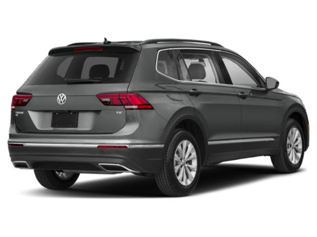 2020 Platinum Gray Metallic Volkswagen Tiguan SE SUV Intercooled Turbo Regular Unleaded I-4 2.0 L/121 Engine Automatic