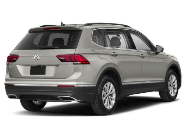 2020 Volkswagen Tiguan SE SUV FWD 4 Door Intercooled Turbo Regular Unleaded I-4 2.0 L/121 Engine