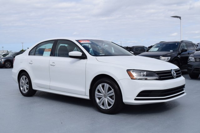 2017 Pure White Volkswagen Jetta 1.4T S Sedan Intercooled Turbo Regular Unleaded I-4 1.4 L/85 Engine FWD 4 Door