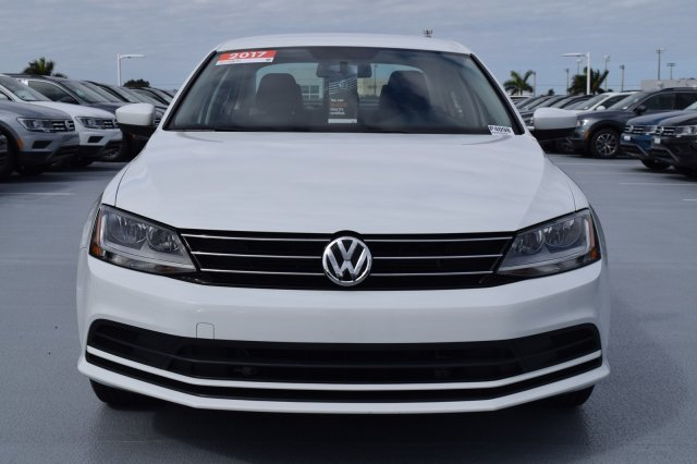 2017 Volkswagen Jetta 1.4T S FWD 4 Door Automatic Intercooled Turbo Regular Unleaded I-4 1.4 L/85 Engine Sedan