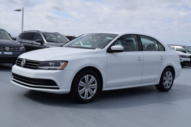 2017 Pure White Volkswagen Jetta 1.4T S Automatic Intercooled Turbo Regular Unleaded I-4 1.4 L/85 Engine 4 Door FWD Sedan