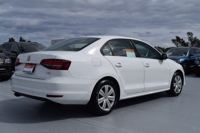 2017 Pure White Volkswagen Jetta 1.4T S FWD Intercooled Turbo Regular Unleaded I-4 1.4 L/85 Engine Automatic 4 Door Sedan