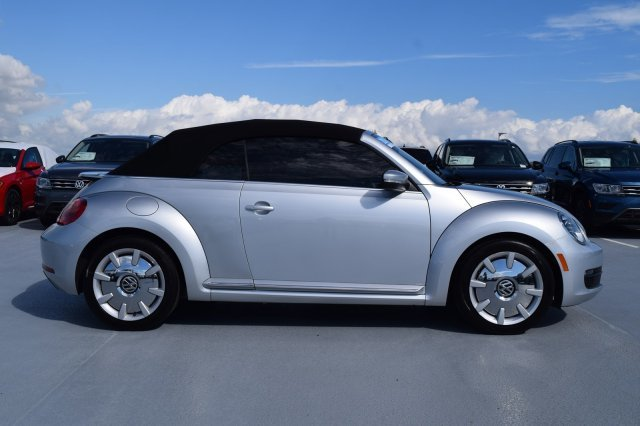 2016 Volkswagen Beetle Convertible 1.8T SEL 2 Door Convertible FWD Intercooled Turbo Regular Unleaded I-4 1.8 L/110 Engine Automatic