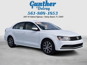 2017 Pure White Volkswagen Jetta 1.4T SE FWD Sedan Automatic Intercooled Turbo Regular Unleaded I-4 1.4 L/85 Engine