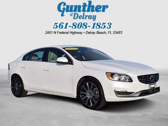 2017 Crystal White Pearl Volvo S60 Inscription FWD Automatic Sedan 4 Door