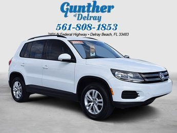 2017 Pure White Volkswagen Tiguan S SUV FWD Automatic Intercooled Turbo Premium Unleaded I-4 2.0 L/121 Engine