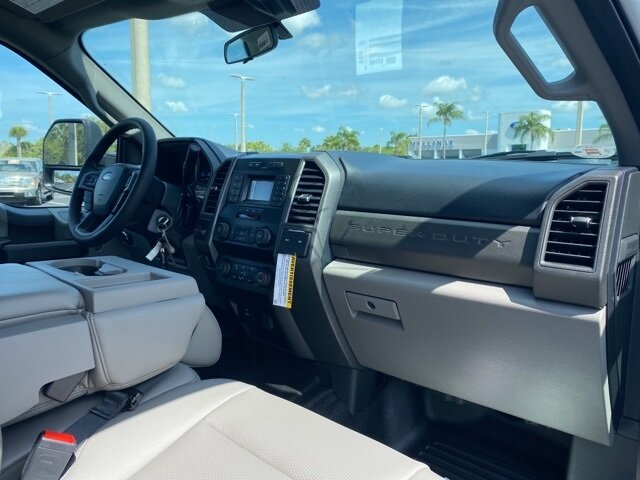 2021 Oxford White Ford Super Duty F-550 DRW XL 4 Door Truck Automatic