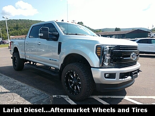 2019 Ford Super Duty F-250 SRW Lariat 4X4 Power Stroke 6.7L V8 DI 32V OHV Turbodiesel Engine Automatic 4 Door