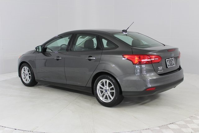 2015 Magnetic Ford Focus SE Automatic FWD Sedan
