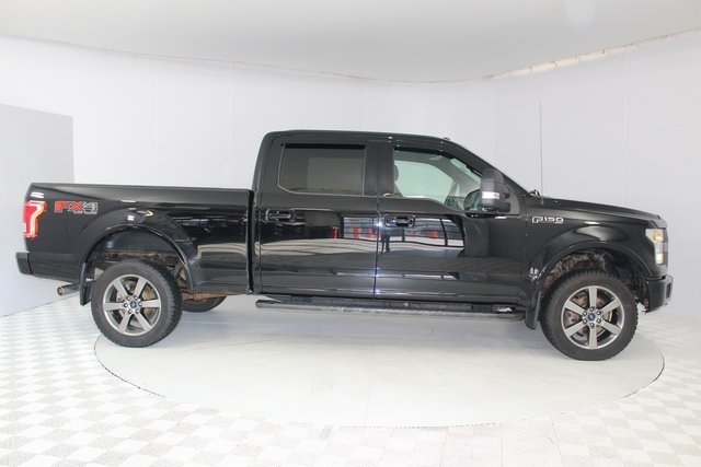 2016 Shadow Black Ford F-150 XLT 5.0L V8 FFV Engine 4X4 4 Door