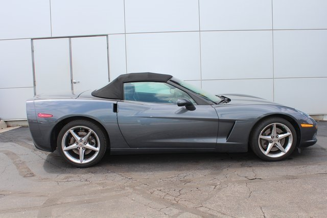 2011 Gray Chevy Corvette w/3LT RWD Automatic 6.2L V8 SFI Engine Convertible