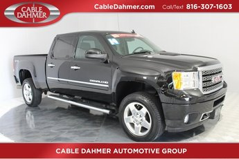 2014 Onyx Black GMC Sierra 2500HD Denali Automatic Duramax 6.6L V8 Turbodiesel Engine 4 Door