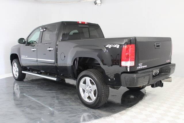 2014 GMC Sierra 2500HD Denali 4 Door Truck 4X4 Automatic Duramax 6.6L V8 Turbodiesel Engine