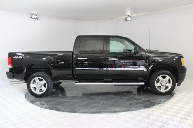 2014 GMC Sierra 2500HD Denali Duramax 6.6L V8 Turbodiesel Engine 4X4 4 Door Automatic Truck