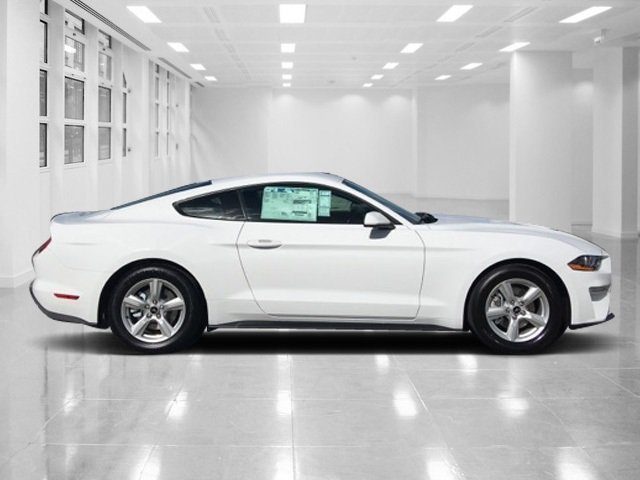 2018 Ford Mustang EcoBoost 2 Door RWD Automatic Coupe Intercooled Turbo Premium Unleaded I-4 2.3 L/140 Engine