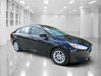 2018 Shadow Black Ford Focus SE 4 Door Regular Unleaded I-4 2.0 L/122 Engine Automatic FWD Sedan
