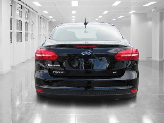 2018 Shadow Black Ford Focus SE 4 Door FWD Sedan