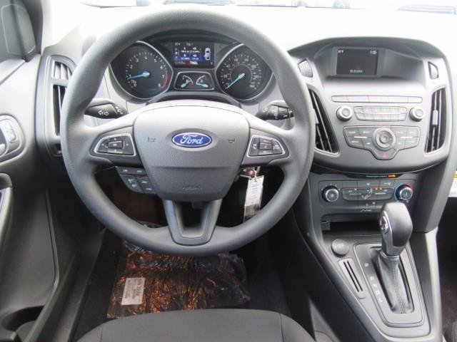 2018 Ford Focus SE Automatic Sedan FWD Regular Unleaded I-4 2.0 L/122 Engine 4 Door
