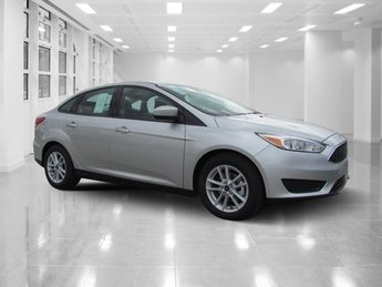 2018 Ingot Silver Metallic Ford Focus SE Sedan 4 Door Automatic