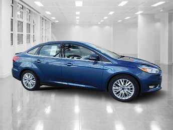 2018 Blue Metallic Ford Focus Titanium Manual Regular Unleaded I-4 2.0 L/122 Engine FWD 4 Door