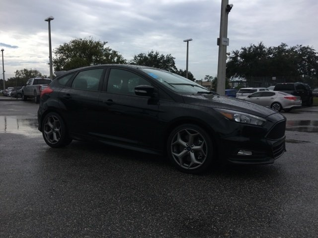 2017 Ford Focus ST Hatchback 4 Door Manual