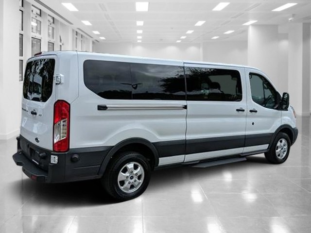 2017 Ford Transit Wagon XLT 3 Door Automatic Regular Unleaded V-6 3.7 L/228 Engine